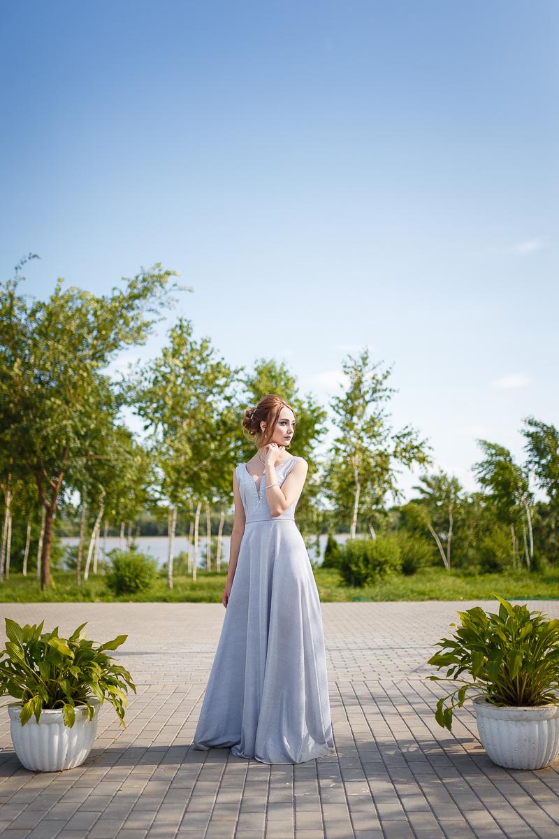 Индивидуальная фотосессия для девушек в Измаил. Фотосъемка на выпускной. Фотограф Елена Сейрик.