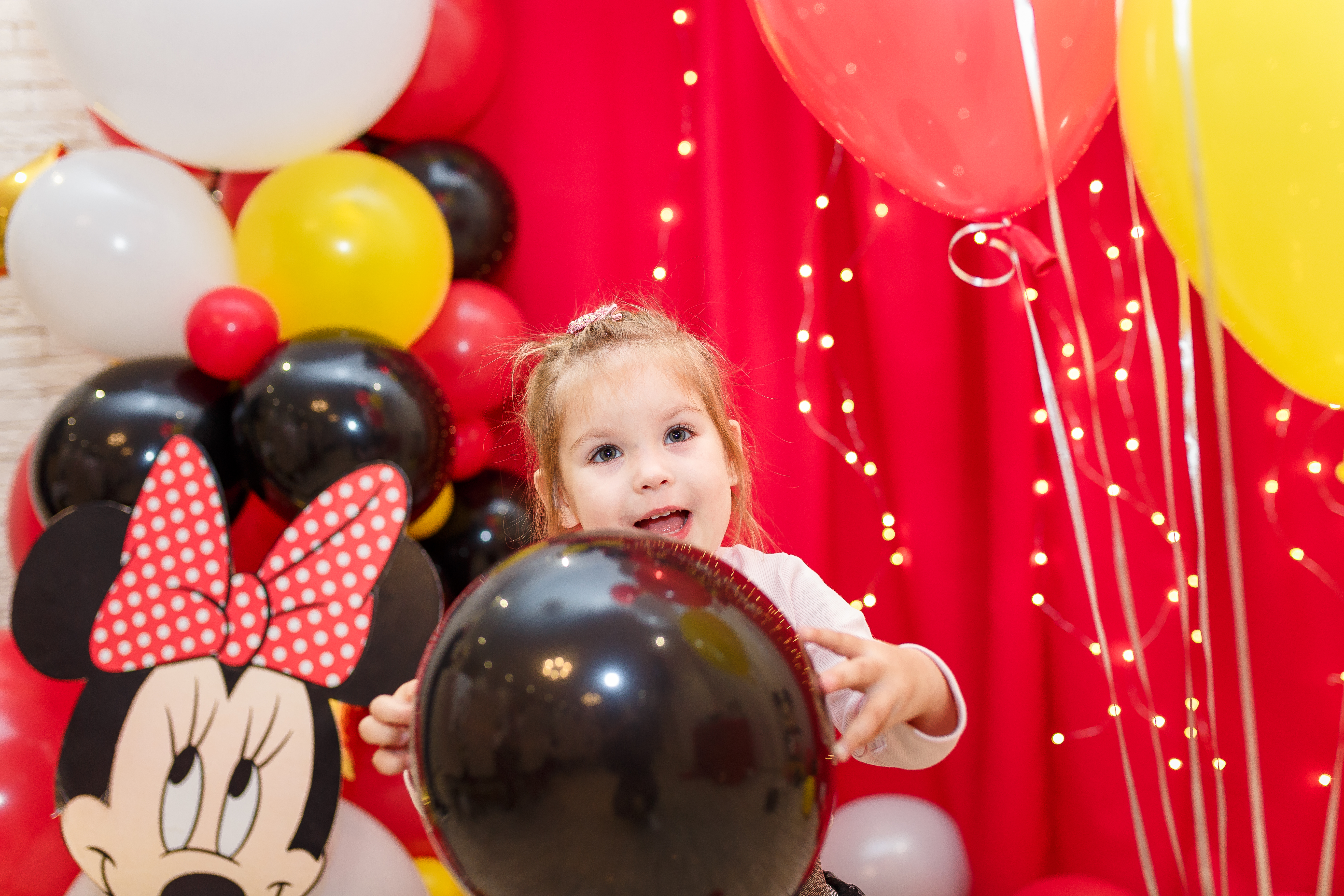 Репортажная фотосессия в Измаил. Детский день рождения. Годик. Фотограф Елена Сейрик.